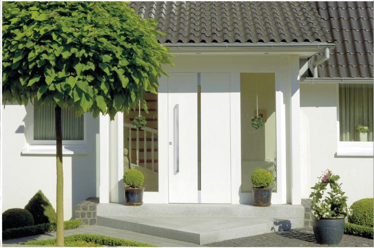"Holz-Haustüren Qualitätsfabrikat ""Kneer-Süd Fenster"""
